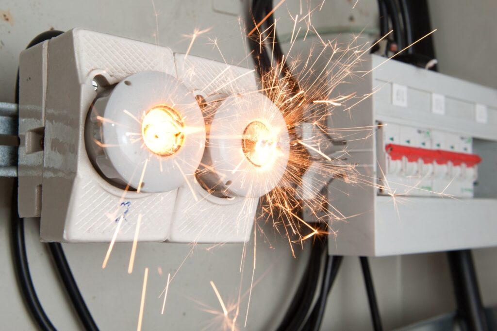 Elektrik Sistemlerinde Kısa Devre Nedir? 1