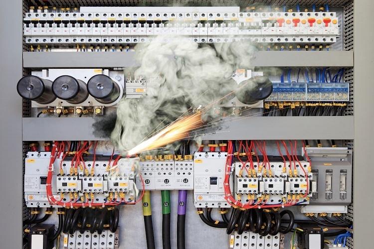 Elektrik Sistemlerinde Kısa Devre Nedir?