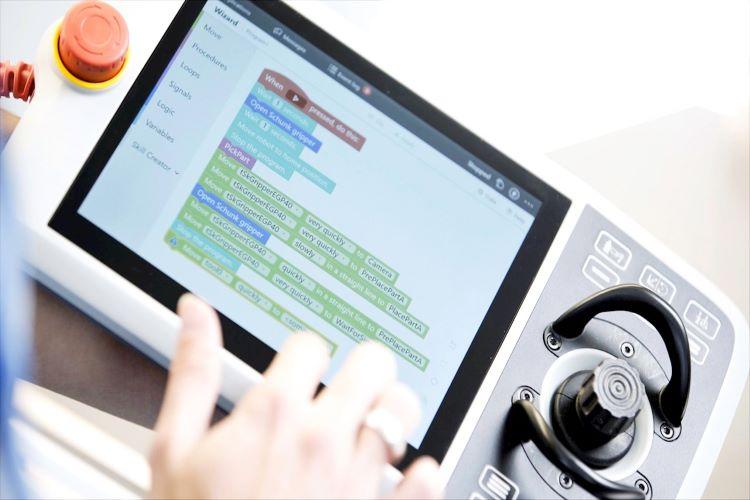 ABB' nin Tüm Endüstriyel Robotları Artık Sırayla Kolay Programlama Sihirbazı Yazılımına Sahip Oluyor! 2