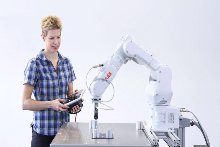 ABB' nin Tüm Endüstriyel Robotları Artık Sırayla Kolay Programlama Sihirbazı  Yazılımına Sahip Oluyor!